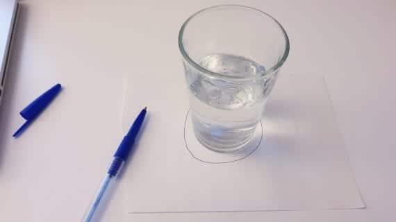 La Technique De Nettoyage Du Verre D'eau